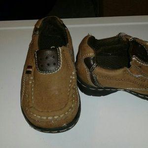 Oshkosh baby boy shoes